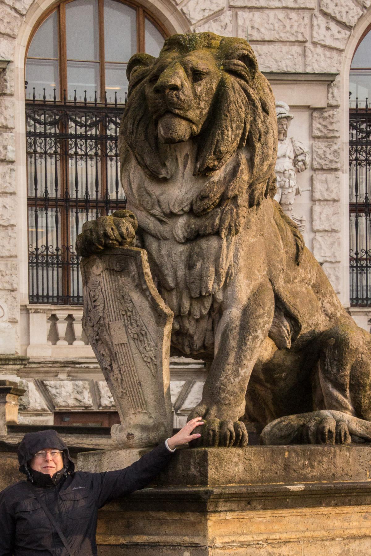 karen w lion