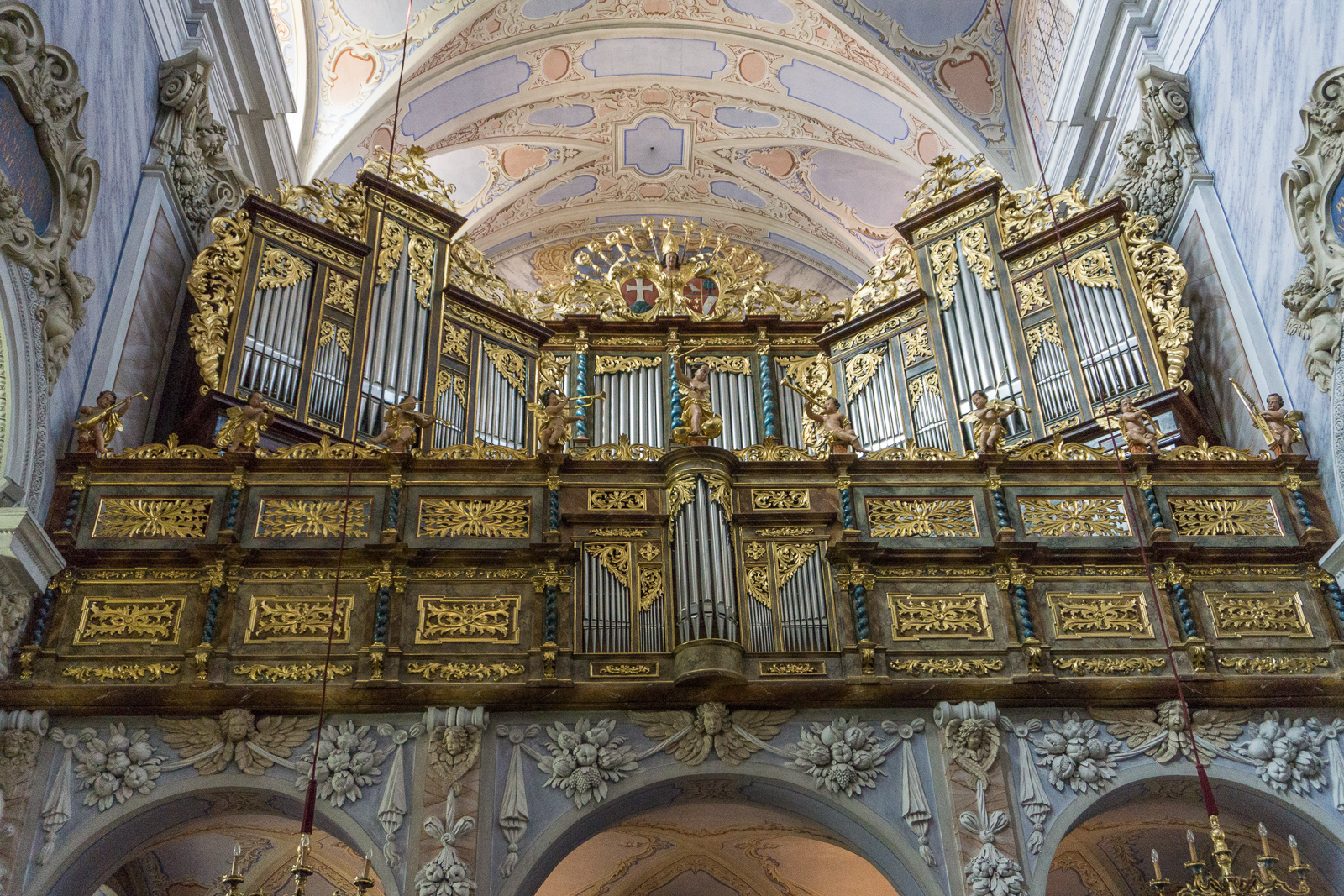 pipe organ in abbey church